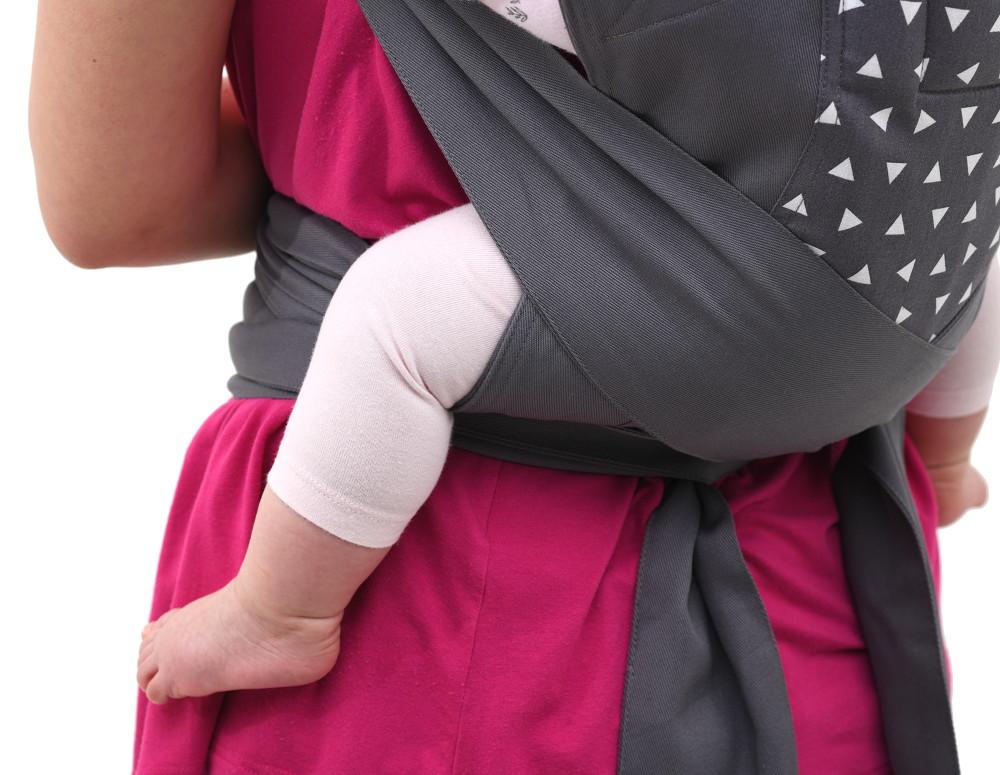 A testrész babád combjainál párnázott